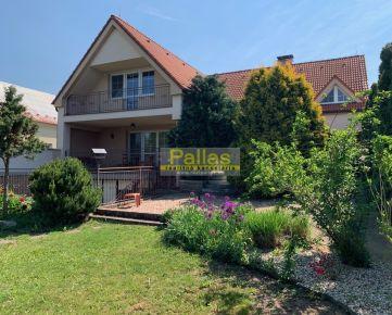 Pallas  PREDAJ komfortného domu s nádhernou záhradou v blízkosti Piešťan - REZERVÉ!