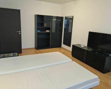 =PAKTIV= PRENÁJOM 1-izbový byt na sídlisku Zátvor, ulica Poštová.