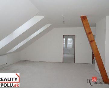 4-izbový podkrovný byt, Nitra