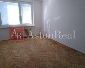 Na predaj 2 izbový byt 54m2 Sučany
