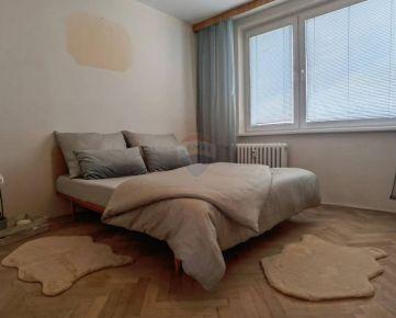 REZERVOVANÉ=RE/MAX= EXKLUZÍVNE Na predaj 3 izbový byt, A. Kubinu, 64,21 m²