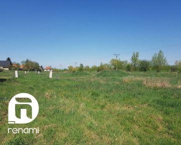 Predaj  projektu + pozemkov pre výstavbu rodinných domov - Kmeťovo, Nové Zámky 6 590 m2 (30 km od Nitra)