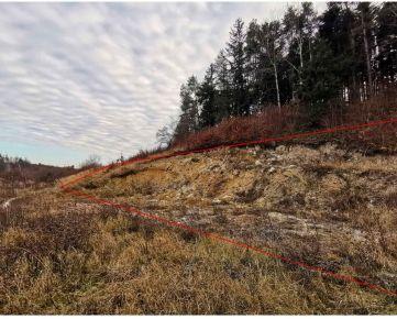 Výborná lokalita - Stavebný pozemok okr. B.Bystrica BADÍN so STAVEBNÝM POVOLENÍM a PROJEKTOM na dom
