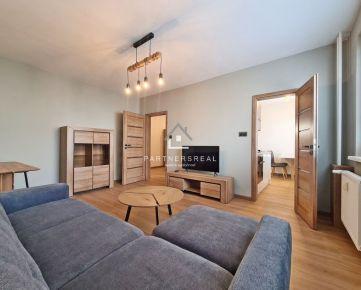 KRÁSNY NOVÝ 2-izb byt s Loggiou (54 m2) zariadený, PRI CENTRE / Ondavská ul.