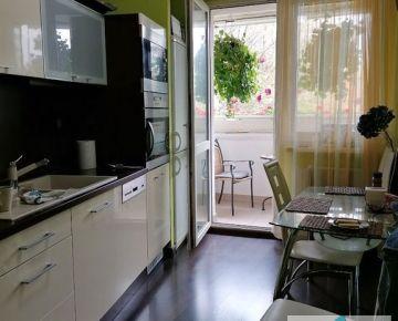 Predaj kompl. zrekonštruovaného 4 izb. bytu na Krikovej ul., 82m2 v krásnom tichom prostredí.