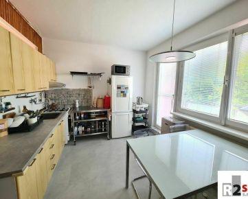 Predáme 2 - izbový byt s balkónom, Žilina - Vlčince IV, R2 SK.