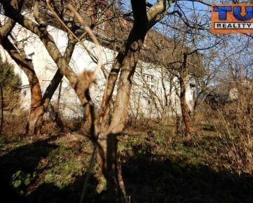 Predaj rodinný dom s pozemkom 476m2 v Strážov - Žilina. CENA: 64 000,00 EUR