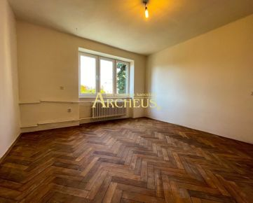 Priestranný 2,5 izbový byt, 60 m2, ulica Družstevná, Humenné
