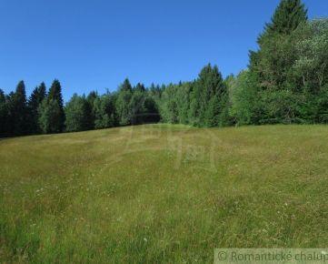 Pozemok neďaleko obce Látky