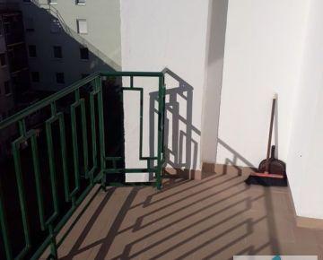 Hľadáte investíciu? Tichý slnečný 3iz. byt po komp.rek. v CENTRE, balkón, loggia, výťah.