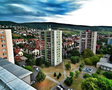 Súrne hľadám pre nášho klienta 3-izbový byt Bratislava - Rača