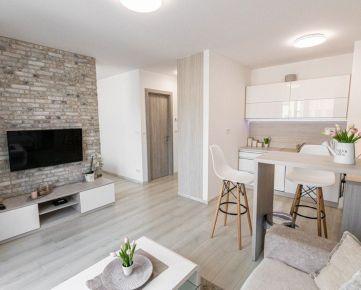 Krásny 2 izbový byt na predaj s vrátane komplet zariadenia a klimatizáciou