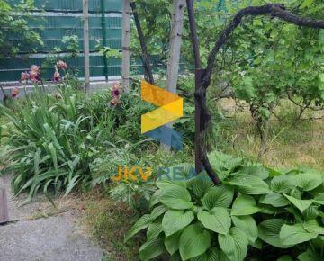 JKV REAL/ Ponúkame na predaj rodinný dom v pôvodnom stave Čachtická, Bratislava - Rača (vhodný na investíciu)