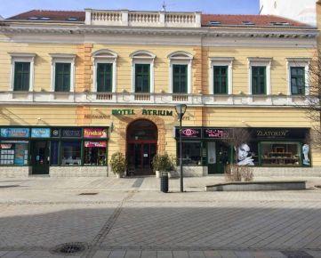 Predaj - Historická budova Nitra, centrum, 27 izieb, reštaurácia, hotel