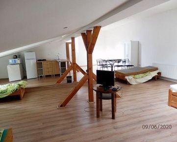 Na prenájom ubytovací priestor pre pracovné partie  v centre mesta Pov. Bystrica
