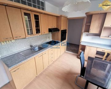 REZERVOVANÉ Predáme veľký 3 izbový byt na Hollého ulici v Šali.