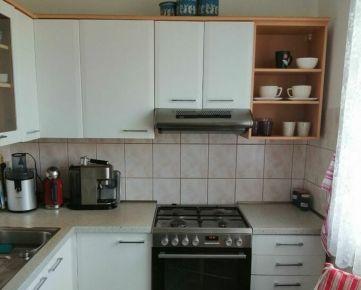 TOP Living: Prenájom 3 izbový byt-nezariadený-bezproblémové parkovanie-Fončorda