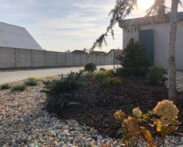 Skolaudovaný 4 izb. bungalov - krásny štandard, parkovanie, záhrada 231m2