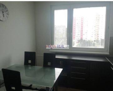 ARCUS REAL s.r.o ponúka na predaj kompletne zrekonštr. priestranný 3 izb. byt pod lesom, Beniakova ul., Karlova Ves