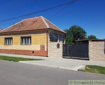 Priestranný 4 izbový RD v pôvodnom stave v obci Brestovany na predaj