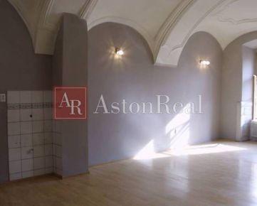 Kancelária 48 m2 Banská Bystrica, 1. poschodie