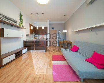 Slnečný, plne zariadený 2 izbový byt s klimatizáciou, parkovaním - Rača