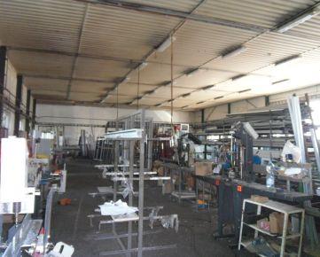 Na predaj priemyselná hala, výrobné-skladové priestory blízko Košíc