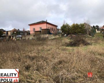 Na predaj stavebný pozemok vhodný na výstavbu RD Veľké Janíkovce Nitra.