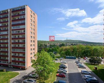 HERRYS, Predaj 3 izbového bytu s veľkou lodžiou a výhľadom na Kamzík v pokojnej lokalite v Dúbravke