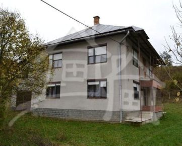 Samostatne stojaci 2-podlažný dom na okraji obce – Kožany