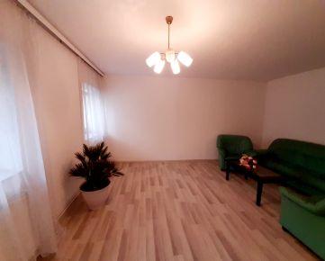 FinReal go ponúka na predaj atypický 2-izbový rodinný dom v OV, s atribútmi bytu v rakúskom Zurndorfe s výbornou dostupnosťou do Bratislavy - 20min.