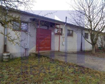 Prenájom - prevádzkový priestor 200 m2, Banská Bystrica-Majer.