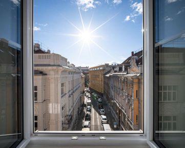 PROMINENT REAL predá nový nadštandardný 1 izb. byt v centre Bratislavy na Gunduličovej ulici.