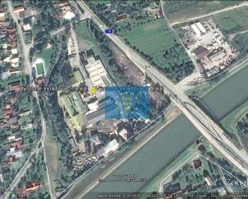 Predáme v Bytči ( Pšurnovická ul., 11 km od Žiliny ) výrobne-skladový objekt, pozemok o výmere 11.804 m2( 43.298 m2 ), všetky inž. siete, asfaltová prístupová komunikácia . Priame cestné napojenie na ČR .