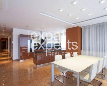 Luxusný priestranný 5 - izbový byt, 2 x parkovanie, terasa, Horský Park