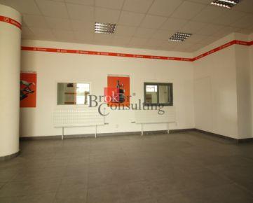 Administratívna budova a skladové priestory Nitra na prenájom