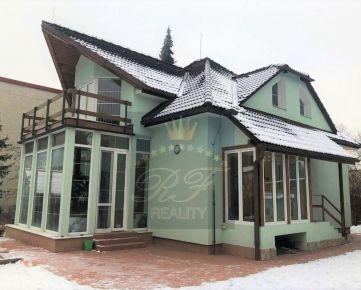 *RFReality* zrekonštruovaný rod. dom s jazierkom, v lukratívnej lokalite - Uhlisko