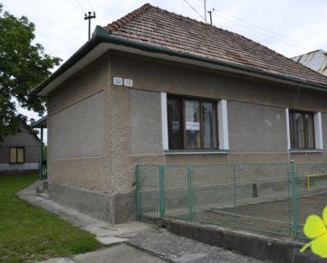 REZERVOVANÝ - Rodinný dom Nováky, pozemok 1400 m2, TOP lokalita
