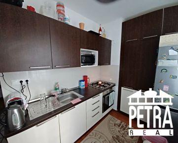 REZERVÁCIA : 2 izbový byt s lodžiou po rekonštrukcii  v mestskej časti Uhlisko