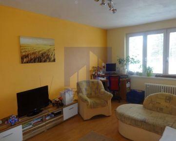 PREDAJ, 2 izbový kompletne rekonštruovaný byt, Trieda SNP, lodžia