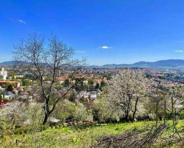 Pozemok na záhradku s nádherným výhľadom na Prešov, 841 m2
