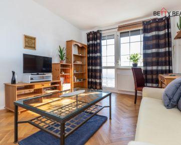 2i byt BA - Rača - Kadnárova, 56 m2, 2 samostatné izby, SLNEČNÝ S PREKRÁSNYM VÝHĽADOM na JZ - jedinečný, praktický, v zeleni.. IHNEĎ