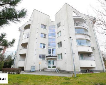 Predaj, 4-izb. byt, 171m2, parkovacie státie v garáži, Vila Machnáč, Drotárska cesta - Staré Mesto.