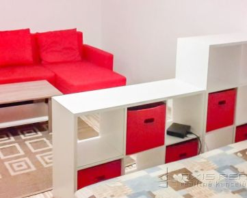 Slnečný zariadený 1-izbový byt, BA V. Petržalka, Jankolova ulica