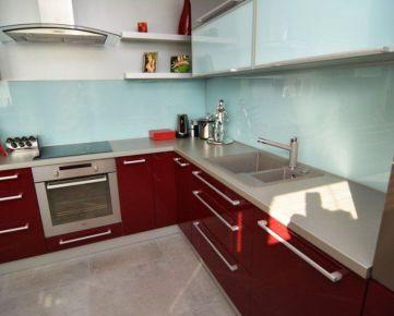 BOND REALITY - Ponúkame na predaj dizajnový 3 izb. byt s úžasnou atmosférou na Stromovej ulici, Kramáre
