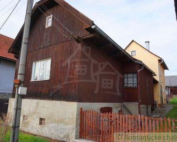 Exkluzívne! Drevenica s  murovaným domom v tichej časti obci Hybe