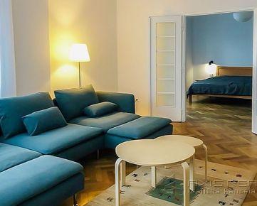 2-izb. byt v centre s 2 balkónmi, BA I. Staré Mesto, Dunajská ulica