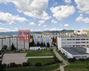 HĽADÁM pre klienta 3 izb. byt na ul. Tatranská v časti Sásová - B. B