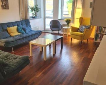 Zaujímavý tehlový 4 izbový byt - rezervované