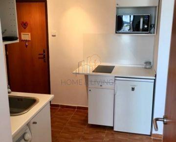 Prenájom slnečného 1, 5 izbového bytu v Dúbravke